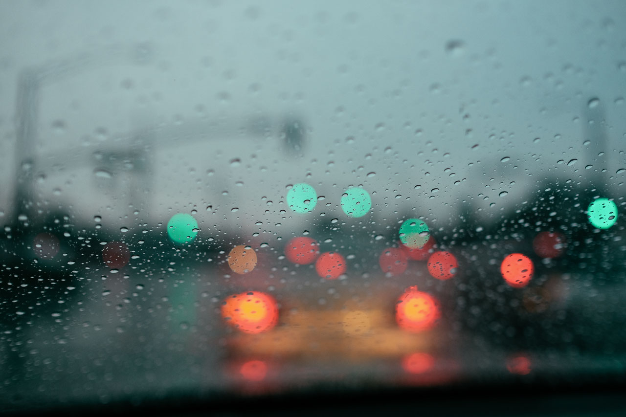 rain-on-window-in-traffic